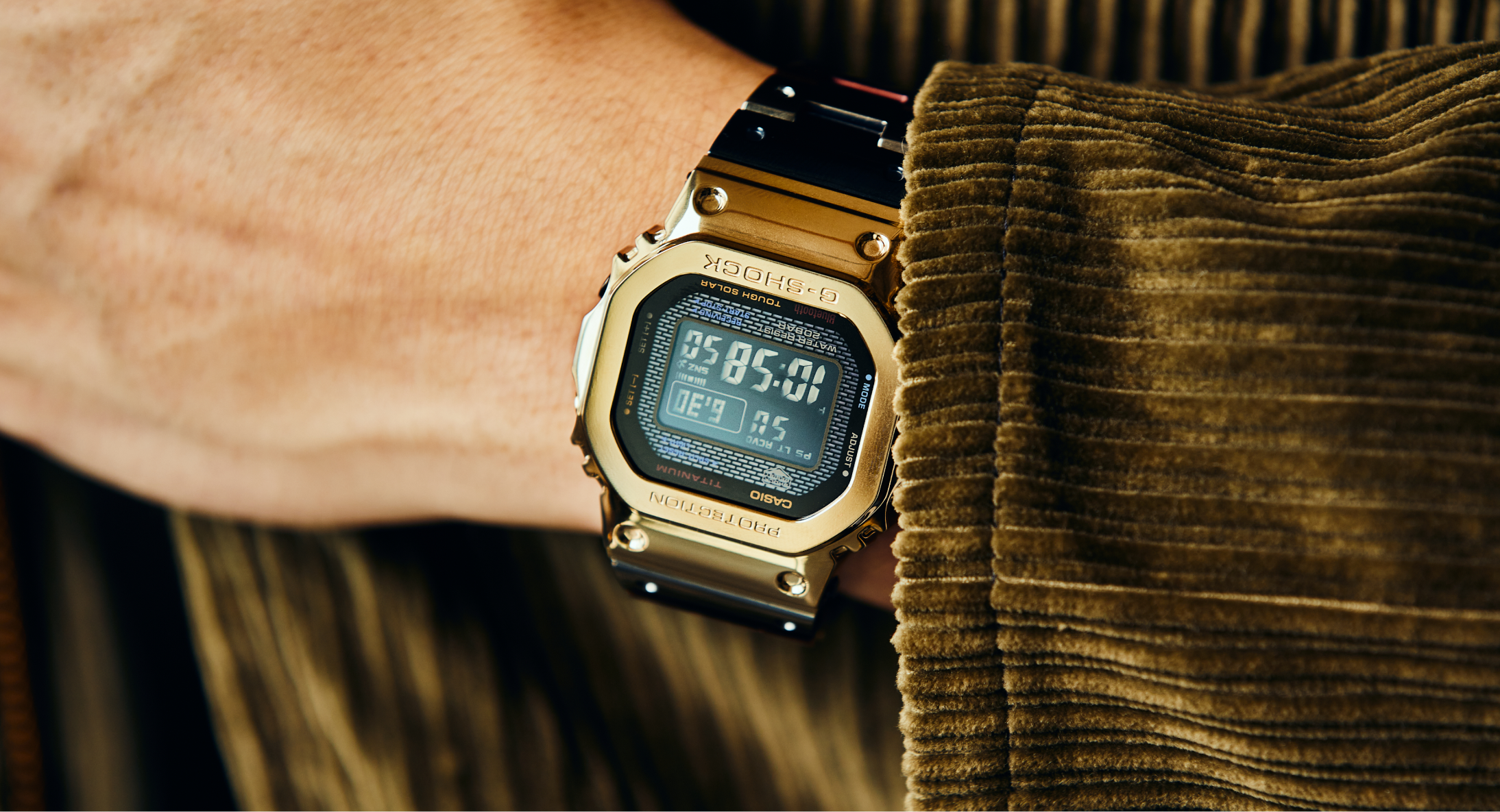 review-dong-ho-g-shock-gmw-b5000tr-9